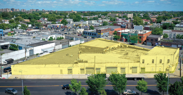 ENTIRE CITY BLOCK WAREHOUSE WITH OFFICE IN PRIME INDUSTRIAL LOCATION